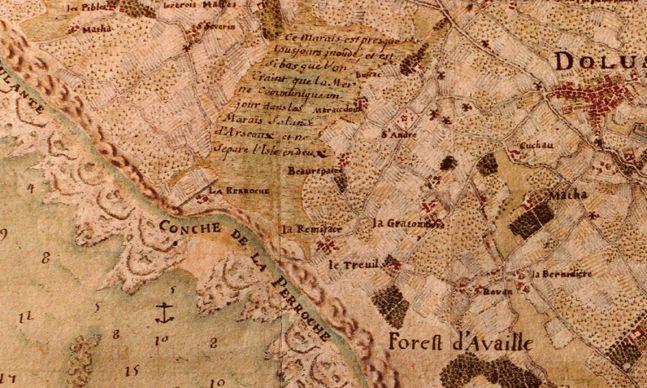 Carte topographique de l'île d'Oléron (1702) . En 1702, le cartographe Claude Masse consigne dans son Mémoire abrégé sur l'isle d'Oléron relatif à la carte ci-jointe que l'île est « si basse au nord de Dolus que l'on craint que la grande mer ne la coupe un jour en deux par le marais de La Perroche au marais d'Arceau, ce qui lui serait très préjudiciable ».
