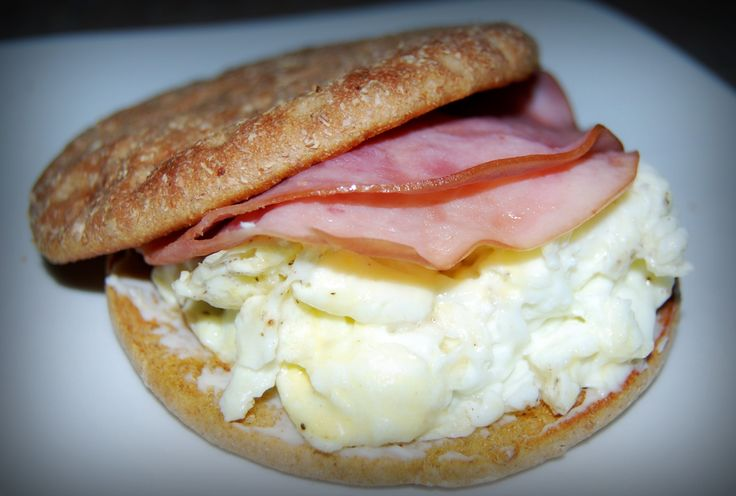 Faux Egg McMuffin-- Use lowfat cheese to make this even better #breakfast   www.kurbo.com