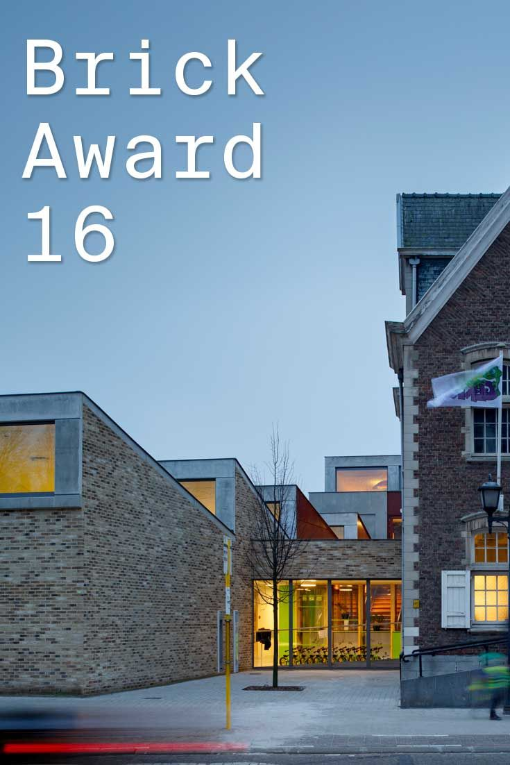 #WienerbergerBrickAward 2016 nominee 3: Kleuterschool de Gekko, Belgium by Dok / Moke Architectenn, NL. To visually connect the new buildings to the existing old town hall, bricks have been used, which at the same time add a robust and secure feeling to the kindergarten. Photographer: Thijs Wolzak