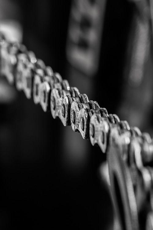 bicycle chain - black and white photography (Schwarz-Weiß-Fotografie) - © Tim Münnig