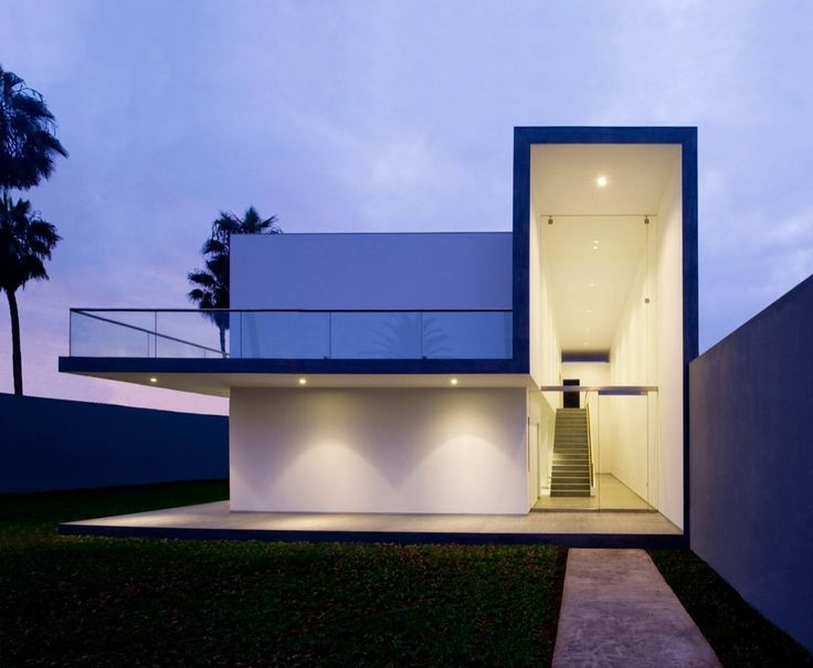 Building of the day - House in La Encantada Lima, Peru by Javier Artadi http://www.archdaily.com/136904/house-in-la-encantada-javier-artadi