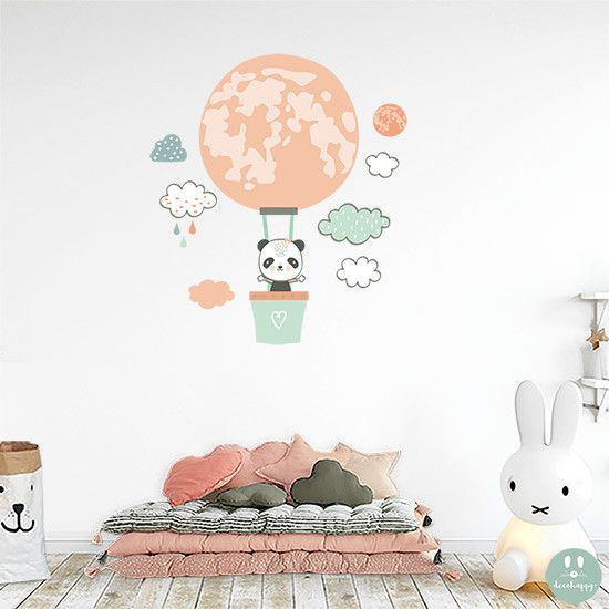 Vinilo infantil panda globo luna para la decoración infantil del cuarto de tu peque a la venta en la tienda online de vinilos infantiles Decohappy