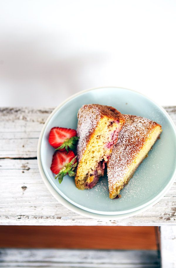 All in a weekend show on CBC Radio Canada, and a strawberry cake | La Tartine Gourmande