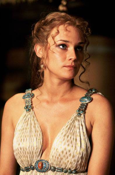 """historical inaccuracies of the movie troy Welcome back to another edition of """"historical inaccuracies"""", today i'll be  discussing the brad pitt and eric bana story of troy  in the film helen claims  sparta was not her home and she was not sent there until she was 16 to."""