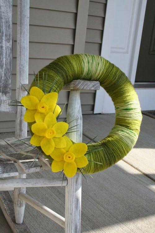 Wiosenne wianki DIY na drzwi - 20 pomysłów i inspiracji
