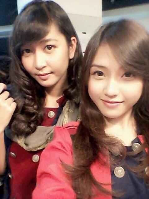 2 angels in 1 photo ...  #naomi #ve #JKT48