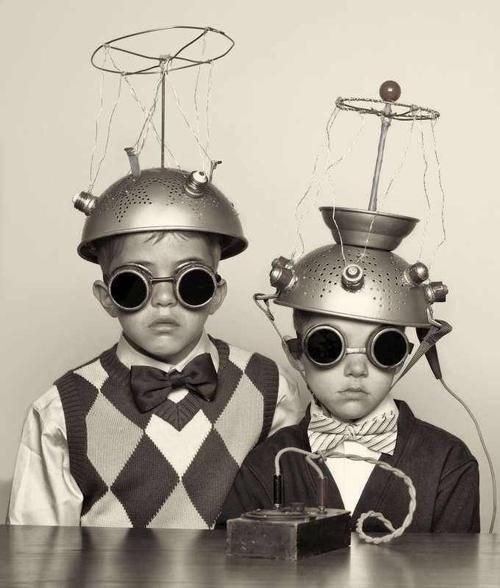 Due piccoli alieni:anche negli anni 50 la creatività era al top!