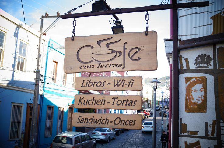 Café con Letras Cerro Alegre, Valparaíso Chile