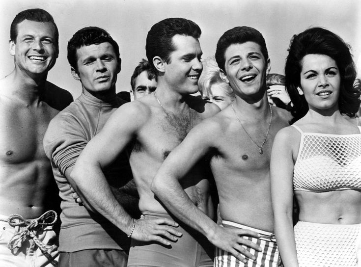 Muscle Beach Party,