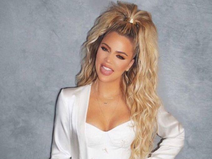 Khloe Kardashian New Hairstyle 2019 Short Wavy Bob