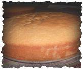 Ricetta del pan di spagna classico senza lievito chimico ideale per le torte con la bagna