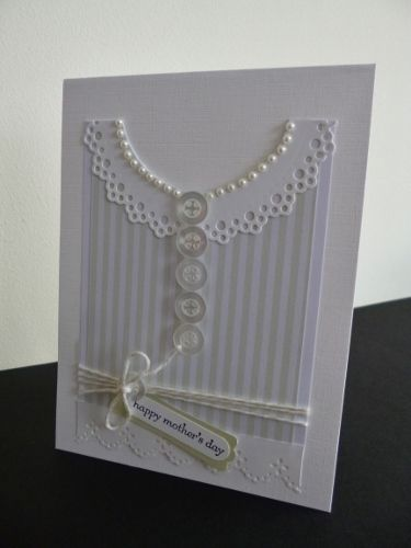 Classy DIY Mother's Day Card for the pearl-wearing moms out there!