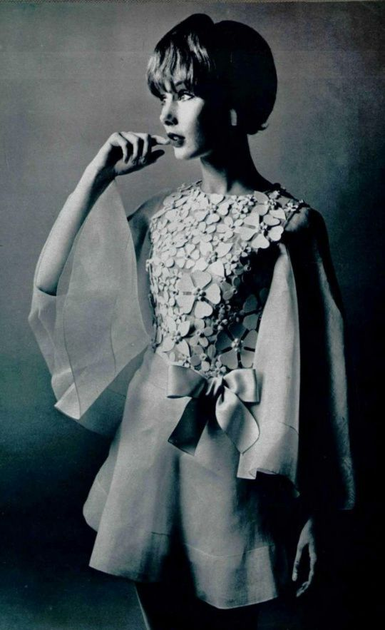 1969 House of Dior - LOVE this Dior dress!