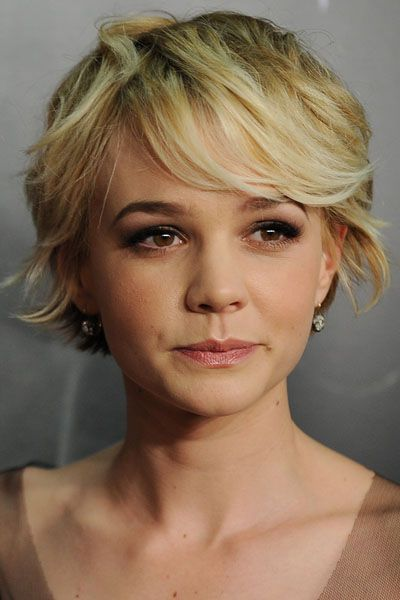 Best 25 shortish hairstyles ideas on pinterest wavy bob hairstyles medium bob with bangs and - Idee coiffure carre ...