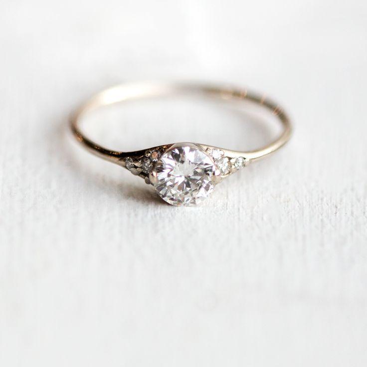Lady's Slipper Ring, Round 0.40ct. Diamond