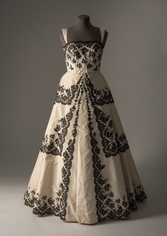 Amalia Machado evening dress ca. 1959