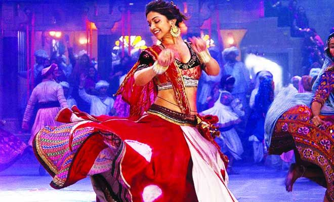 Can't wait for Rangeela Raas Garba With #FalguniPathak? #ClickToRead our favorite #Bollywood songs about #Navratri!