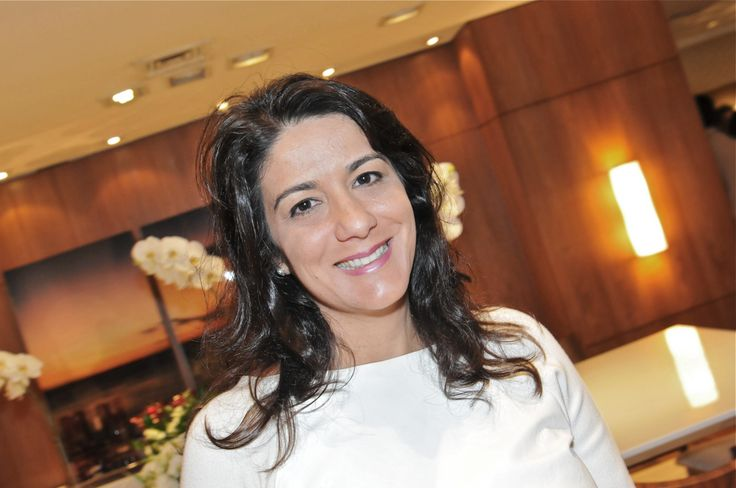 Claudia Elias www.brentwood.com.br