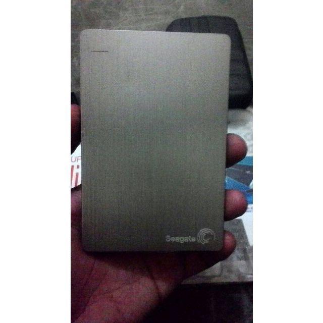 Hard disk Seagate Backup Slim 1tbkondisi bekas 4bulan pakai.Bonus Film,Aplikasi.Kondisi aman, sehat, No badsector, tidak bising dan pastinya performa sangat lancar.Harga Rp. 540.000 Nett.Kelengkapan:-Unit Hardisk Seagate 1TB-Kabel Data-Sarung, dan-Dus.