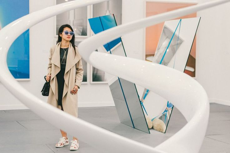 Casual // See more at Racked: (http://ny.racked.com/2015/5/19/8625495/frieze-art-fair-street-style?utm_campaign=ny.racked&utm_content=gallery-post&utm_medium=social&utm_source=pinterest)