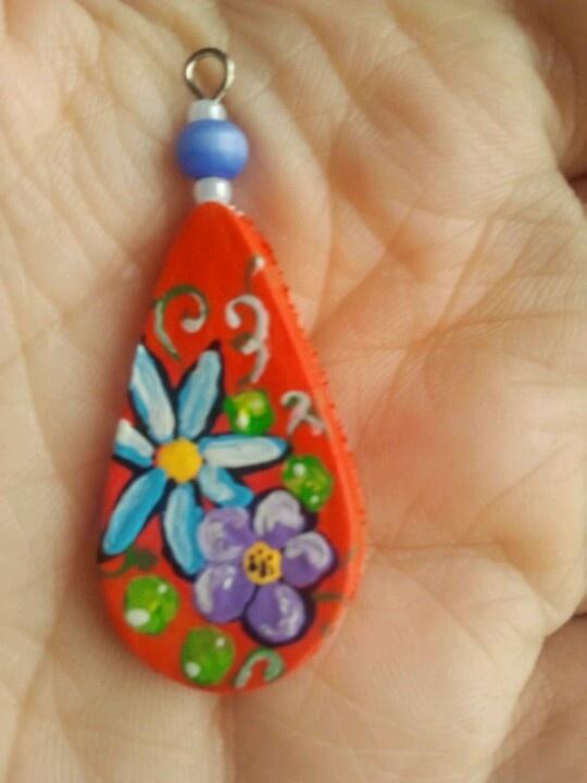 handamde jewel pandant painted on ceramic