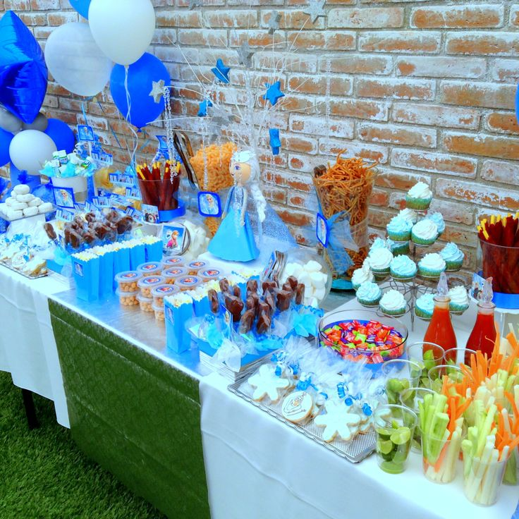 57 best frozzen party images on pinterest for Decoracion de frutas para fiestas infantiles