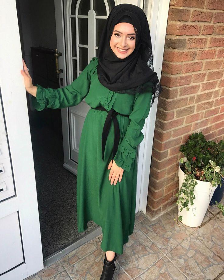 "2,378 Beğenme, 106 Yorum - Instagram'da B E Y Z A  T U R A N /21 y/o (@beyza.turan.__): ""Hayırlı akşamlar diliyorum herkese ☘️ Sağ'a kaydırın ➡️"" beyza turan long dress hijab Başörtülü başörtüsü kadın giyim modelleri tesettür"