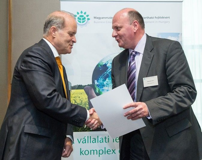 Az Allianz elkötelezett a fenntartható fejlődésért https://www.allianz.hu/www/hu/allianz_elkotelezett_a_fenntarthato_fejlodesert.html
