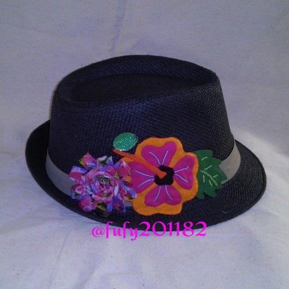 Sombrero con mola