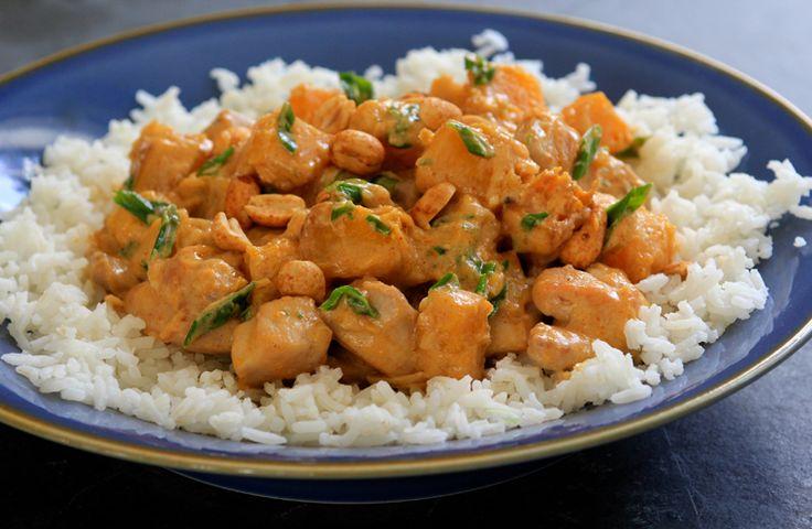 Citrouille et poulet au cari et à la noix de coco servi sur du riz Basmati - Circulon Canada