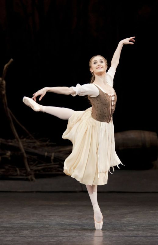 Nuñez as Giselle in Act 1, photos by Johan Persson - Royal Ballet from Covent Garden. Fabulous!
