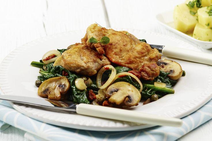 Kyllingscallopine med sautert spinat og champignon. 188 g. grønnsaker og 509 kcal pr. porsjon (voksen).