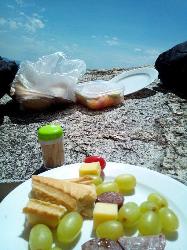 Picknick on top of Gibraltar Rocks