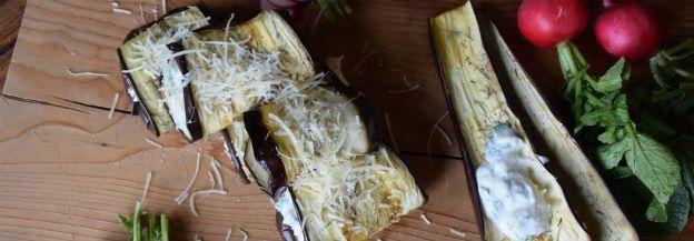 Geroosterde aubergine rolletjes met parmezaanse kaas & kwark