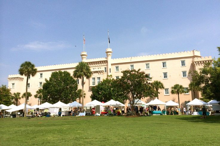 The Charleston Farmers Market at Marion Square in downtown Charleston's Upper King Street neighborhood makes for a fantastic start to a day full of exploration or an outdoor picnic lunch under palmetto shade. Weaving through food vendors, artist booths and produce stands, you'll find local artisans displaying their goods, crafts and gifts alongside one of Charleston's most popular public parks. Enjoy the Charleston Farmers Market 8am-2pm on Saturdays from April to December.