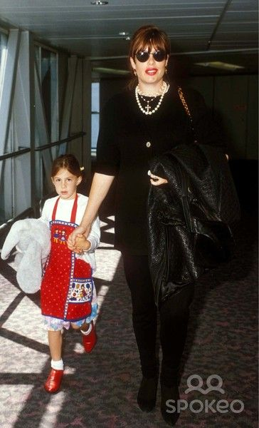 Kelly Seagal and daughter Annaliza--1993