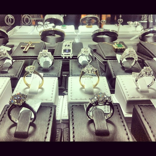 Great specimens of the diamonds on line. Check them out at http://pinterest.com/graemeinterest/diamonds-on-line/