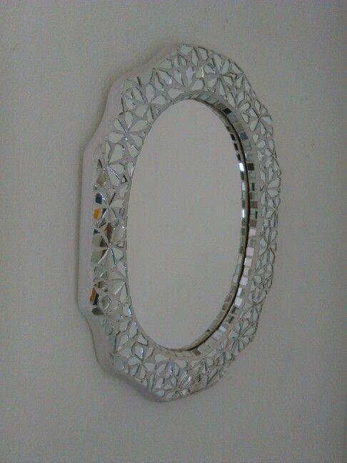 Spiegel met spiegelrand gemozaiekt