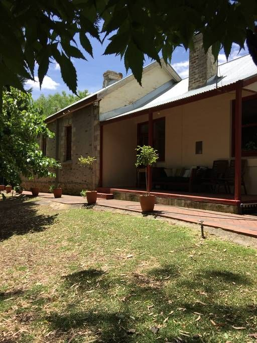 Forreston Schoolhouse, Forreston | 6 people, 1502AUD