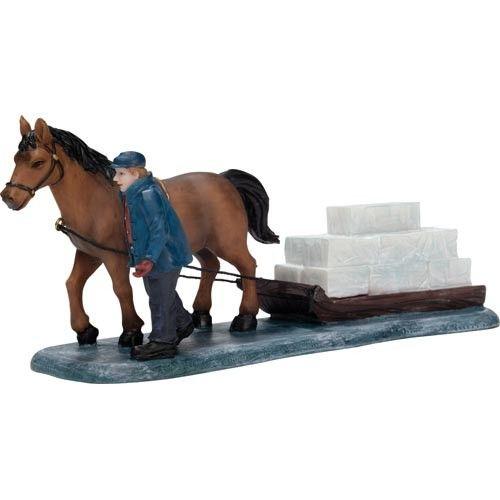 Paard en slee en ijsblokken