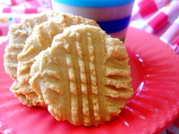 Make and share this Soft Peanut Butter Cookies recipe from Food.com.