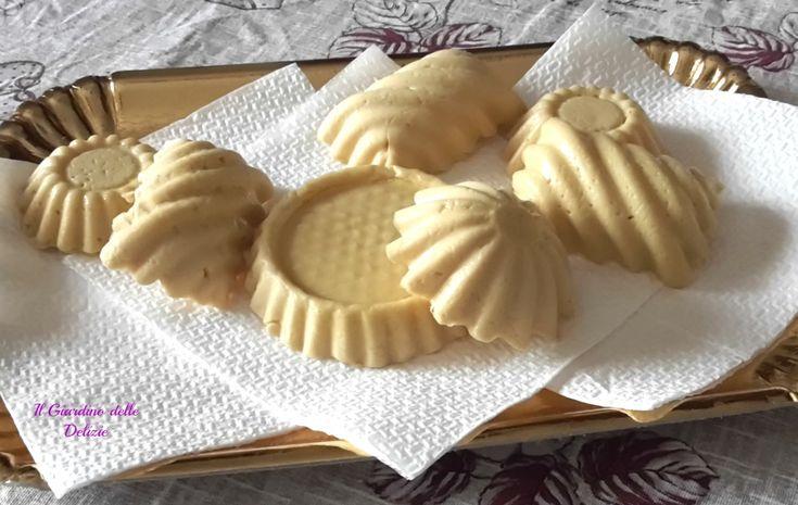 Miele e benessere, viene chiamato anche ambrosia, il nettare degli dei, è da secoli il nutrimento ideale, è un alimento completo per eccellenza