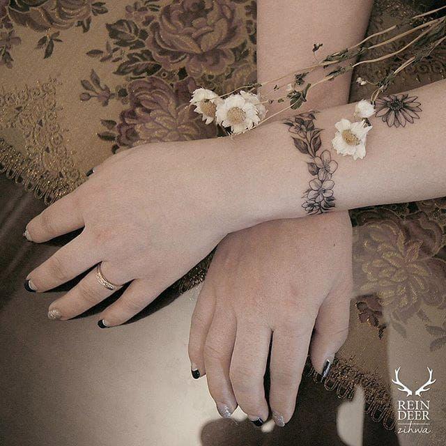 Floral Bracelet Wrist Tattoo Designs: Never Take It Off: Stunning Floral Bracelet Tattoos