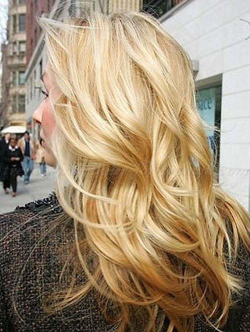 long hairstyles for women over 50 - long wavy hairstyle for mature women|trendy-hairstyles-for-women.com