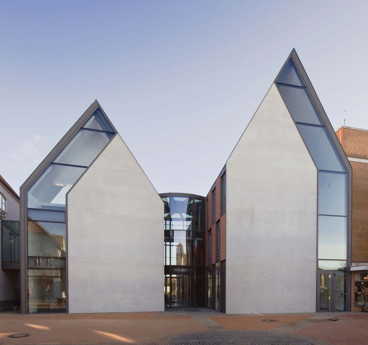 A project by:Stephan Braunfels Architekten: Building, Volksbank Gifhorn, Stephane Braunfels, Braunfels Architekten, Interiors Architecture, Architecture Inspiration, Architecture Ideas, Service Centre, Glasses Houses