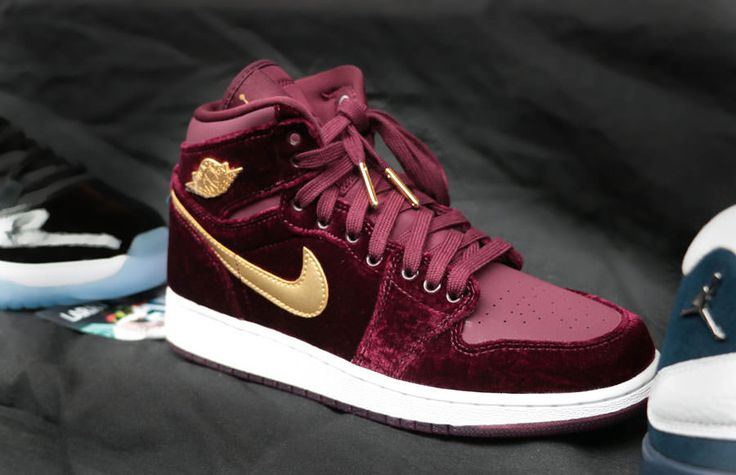 Sneakers women - Nike Air Jordan velvet burgundy