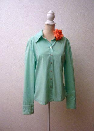 À vendre sur #vintedfrance ! http://www.vinted.fr/mode-femmes/blouses-and-chemises/26726911-chemise-cintree-en-coton-vert-menthe-clous-mango-l