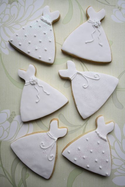 Wedding dress cookies. Someone please make sure these are at my wedding shower :)