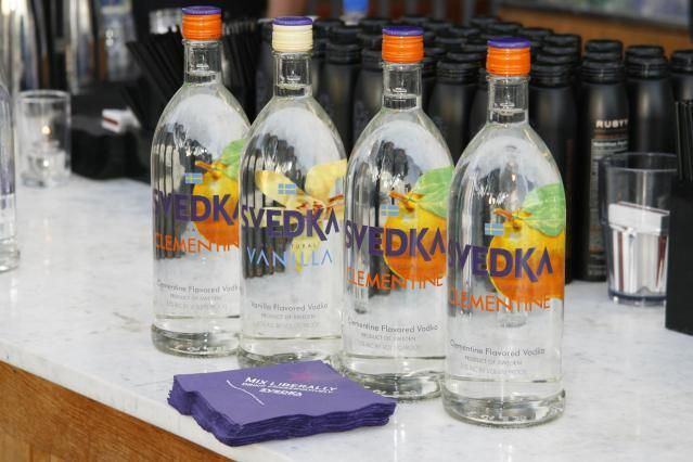 A guide to the most popular brands of vodka including value, premium and super premium vodkas listed by price.