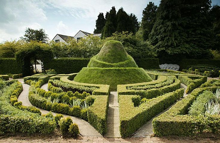 Charles Jencks designed garden, north of Dumfries, Scotland. Some of the world's most beautiful gardens - Comfortable home